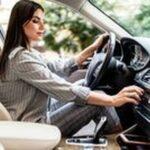 Бустери 1 - жена в кола