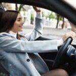 Бустери 14 - жена в кола