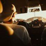Месингови клеми 19 - мъж в кола