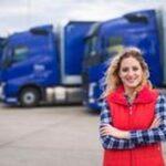 Оловни клеми 10 - жена пред камиони