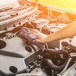 Оловни клеми 4 - механик ремонтиращ кола